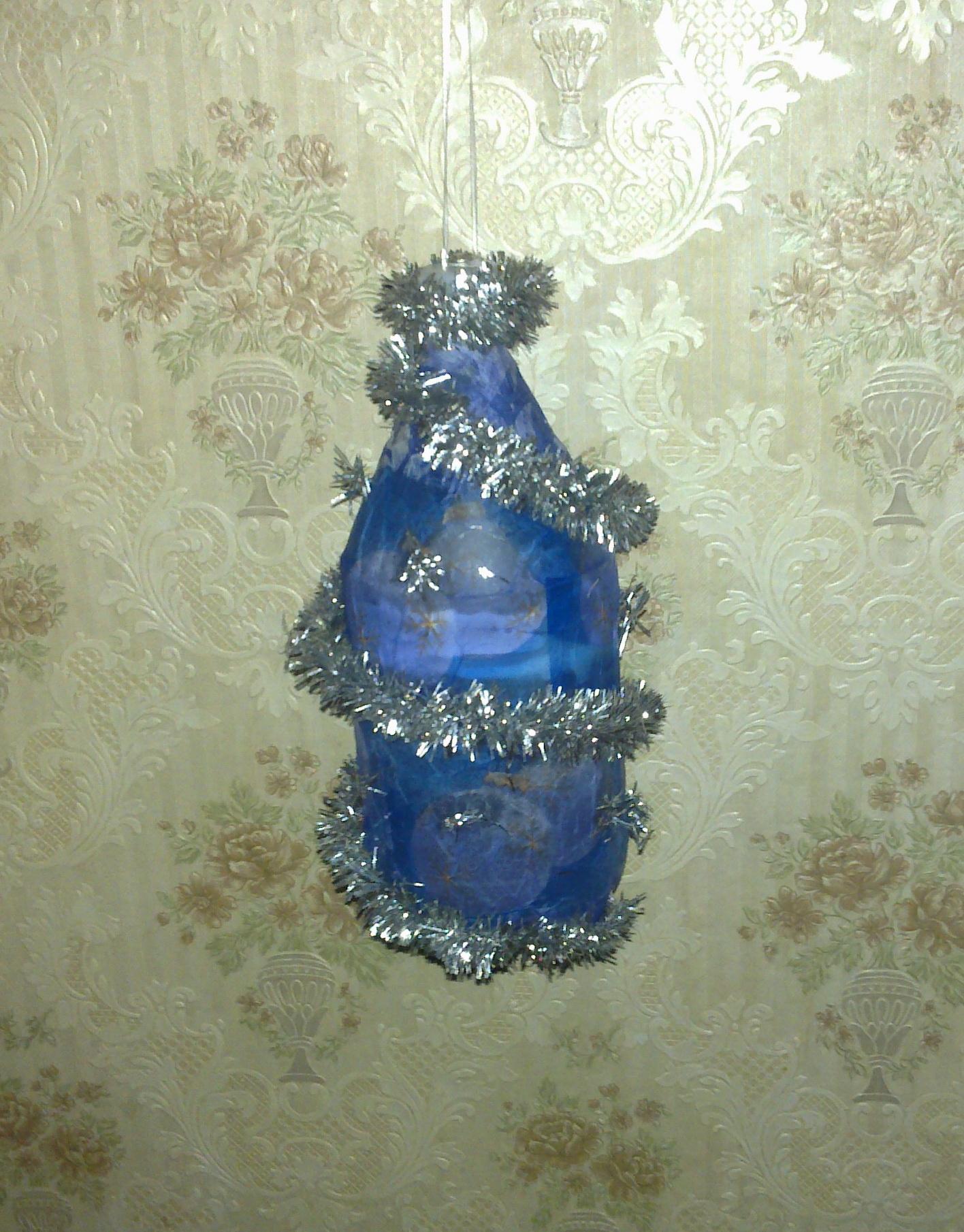 Новогодние игрушки на уличную ёлку своими руками из пластиковых бутылок 61